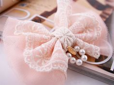 lace tulle pearl clip