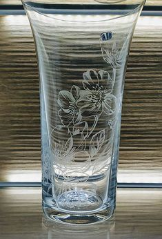 Gravírovaná váza, 255mm / kikaso - SAShE.sk - Handmade Dekorácie Glass Engraving, Glass Vase, Handmade, Home Decor, Bohemia, Hand Made, Decoration Home, Room Decor, Home Interior Design