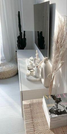 Room Ideas Bedroom, Home Bedroom, Bedroom Decor, Design Bedroom, Dream Home Design, Home Interior Design, House Design, Room Interior, Aesthetic Room Decor