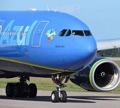 """Azul Airlines Airbus A330-200: named """"Big Blue Bus"""""""