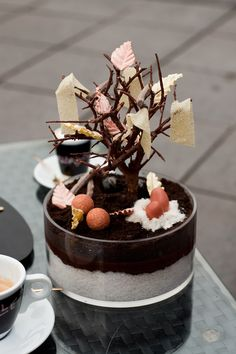 The first time I heard about Restaurant De Librije was when I watched Jonnie Boer's exciting presentation during the Chef-Sache in Cologne in September He Pastry Art, Dessert Decoration, Culinary Arts, Plated Desserts, Creative Food, Food Design, Food Plating, Amazing Cakes, Love Food