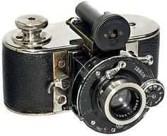 """Cinescopie, 1929, Brussels. An early 35 mm camera for 24 x 24 mm, with """"Gand Labor 3,5/50"""" lens. Extremely rare, max. 300 cameras produced."""