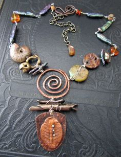 Jewelry OFF! Ancient Treasures and Fossils Necklace by Staci Louise Originals art beads by Artisan Accents by Staci Louise Funky Jewelry, Copper Jewelry, Wire Jewelry, Boho Jewelry, Jewelry Crafts, Jewelry Art, Jewelery, Jewelry Design, Pandora Jewelry