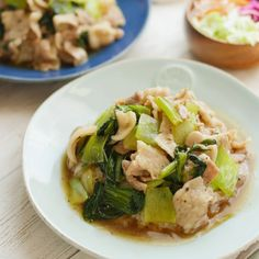 五目あんかけならぬ二目の「中華あんかけご飯」のレシピと作り方を動画でご紹介します!豚バラ肉とチンゲン菜で作ったとろとろ中華あんをご飯にたっぷりとかけました。食材は2種類だけなのにボリュームたっぷり!スプーンが止まらなくなるひと品です♪