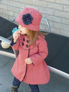 IeneMiene- link to a german site but the pdf pattern for the hat is an english language. Coat pattern separate, your choice. Baby Girl Fashion, Fashion Kids, Fashion Sewing, Fashion Clothes, Womens Fashion, Little Girl Dresses, Girls Dresses, Girl Outfits, Cute Outfits