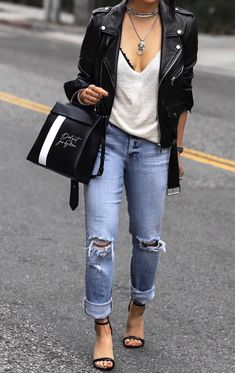 The Fight Against Rocker Chic Winter Outfits You Will Love: What to Expect From Rocker Chic Winter Outfits You Will Love? Winter outfits are generally a lot more subdued in color. Hipster Outfits, Edgy Outfits, Fashion Outfits, Urban Chic Outfits, Grunge Outfits, Dance Outfits, Fashion Styles, Fashion Boots, Girl Outfits