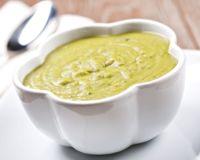 Soupe de courgettes à la vache qui rit Dinner Is Served, 20 Min, Bon Appetit, Cheeseburger Chowder, Soup Recipes, Cantaloupe, Mashed Potatoes, Zucchini, Foodies