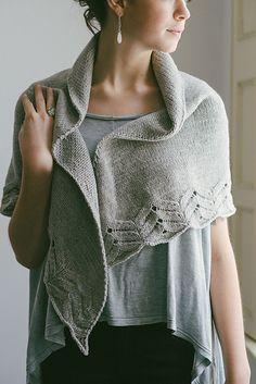 Lola Shawl Knit Pattern // Ravelry
