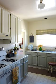 The Vintique Object: Kitchen is Painted! (But hardware hasn't arrived yet. Blue Kitchen Cupboards, White Kitchen Appliances, Grey Kitchens, Kitchen Redo, Kitchen Remodel, Kitchen Ideas, White Cabinets, Fisher, Low Cabinet