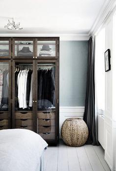 Bildergebnis für Schlafzimmer Kleiderschrank durchsichtig