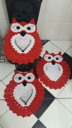 Jogo de banheiro corujinha feliz vermelho e branco...thathy conquistas
