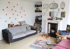 Que buen rollo me ha dado este apartamento londinense de 70 metros! Me encantan los estampados geométricos, los colores, los libros, las estanterías hechas con cajas recicladas, los platitos y todos los detalles ( y son muchísimos) que tiene la casa � � � � � � � � � � � � � � […]