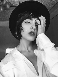 #blackandwhite #woman Personal Style, Photo And Video, Woman, Videos, Instagram, Fashion, Moda, Fashion Styles, Women