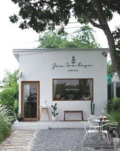 Cafe Shop Design, Coffee Shop Interior Design, Small Cafe Design, Restaurant Interior Design, Coffee Design, Store Design, Cafe Exterior, Exterior Design, Small Coffee Shop