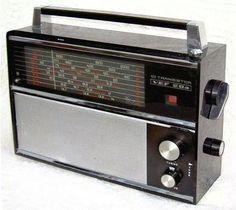 Love Radio, Tv On The Radio, Radios, Transistor Radio, Ham Radio, Retro, Jukebox, Home Appliances, The Originals