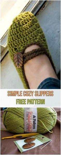 Simple Cozy Slippers Free Pattern #slippers #yarns #crochet #hook #green
