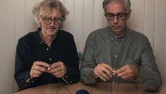SJELDENT ØYEBLIKK: Arne og Carlos er stadig på reisefot. Det blir ikke lenger så mye tid til å strikke selv. Foto: Håvard Bjelland Round Glass
