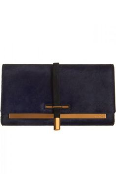 The perfect statement clutch