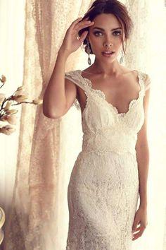 Gaun Pengantin Berbalut Lace Nan Elegan