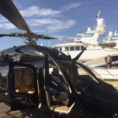 Helicopters and yachts go together like peanut butter and jelly🚁🛥 LuxuryCopters Helicopter Charter, Helicopter Tour, Rich Man, Site Design, Luxury Lifestyle, Aviation, Tours, Travel, Image
