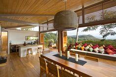 Casa de madeira e bambu (17)