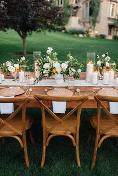 This is the Wildly Gorgeous Solution to a Gender Neutral Baby Shower - A Rustic Glam Outdoor Baby Shower - Baby Shower Table, Baby Shower Parties, Baby Shower Themes, Baby Boy Shower, Shower Ideas, Garden Baby Showers, White Baby Showers, Outdoor Baby, Baby Shower Flowers