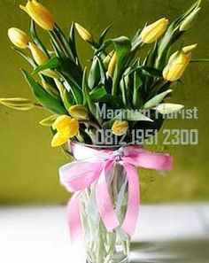 Menyikapi banyaknya toko bunga online di Jakarta, kami sadar ini merupakan jalan untuk meningkatkan kualitas atas hasil rangkaian yang akan kami ciptakan. Handbuket atau rangkaian bunga meja kami buat dengan mengedepankan cita rasa karya seni merangkai tingkat.