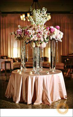 table arrangement.. Love the blush linens