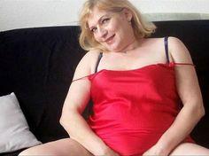 Webcamgirl.me bieten Livesex vor der Sexcam hier im Camsexchat