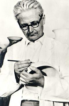 Wilhelm Wagenfeld designer.