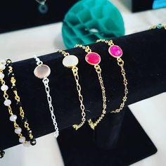 Aujourd hui je suis au Vide Dressing Violette Sauvage Nantes  videdressing   larosiere  violettesauvage  bijoux  bijoudamour  nouveauté  bijoudoré ... 36e03a4648e
