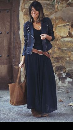 Look com vestido, black maxi skirt outfit, maxi skirt winter, navy dress, m Mode Outfits, Fall Outfits, Casual Outfits, Fashion Outfits, Womens Fashion, Casual Hair, Jackets Fashion, Formal Outfits, Women's Casual