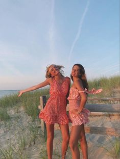how to style outfits Foto Best Friend, Best Friend Photos, Best Friend Goals, Cute Preppy Outfits, Summer Outfits, School Outfits, Trendy Outfits, Cute Friend Pictures, Friend Poses