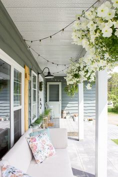 10 Minute Decorating: 5 Simple Ways To Bring Farmhouse Style To Your Summer  Porch