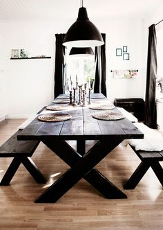 Embrace the Relaxed Style of Indoor Picnic Tables - A dining space the entire family can enjoy. picnic table ideas Embrace the Relaxed Style of Indoor Picnic Tables Kitchen Table Bench, Dinning Room Tables, Dining Room Design, Dining Rooms, Dark Wood Dining Table, Diy Table, Indoor Picnic, Picnic Style, Decor Room