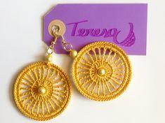 #Orecchini all' #uncinetto in puro #cotone giallo con perle oro. Mod. 46 Color O.