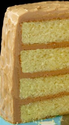 """Best Caramel Cake Recipe - Moist, tender, fabulous cake with a """"to die for"""" icing!Best Caramel Cake Recipe - Moist, tender, fabulous cake with a """"to die for"""" icing! Food Cakes, Cupcake Cakes, Cupcake Icing, Cake Cookies, Cookies Et Biscuits, Bolos Cake Boss, Cake Recipes, Dessert Recipes, Köstliche Desserts"""