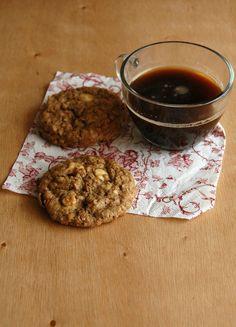 White chocolate granola cookies / Cookies de granola e chocolate branco