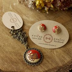 "51 Likes, 1 Comments - Handmade Jewelry Kvičke Kvačke (@kvickekvacke) on Instagram: ""Jewelry set in red  #jewelryset #woodenjewelry #wood #engraved #handpainted #mydesign #red…"""