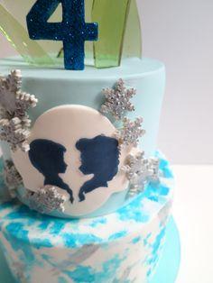 Frozen Birthday Cake lalalandcakes.com
