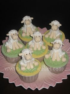 love these little lamb cupcakes
