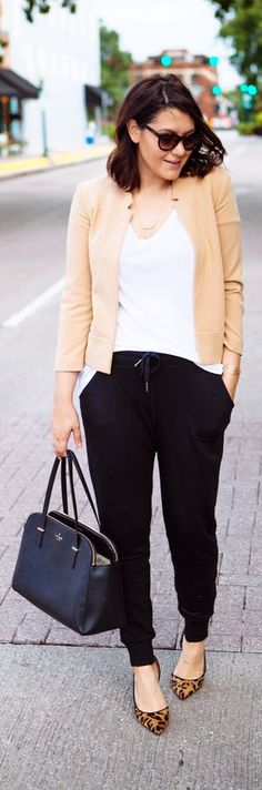 It's easy to style joggers for work! Pair them with your favorite basics, a structured blazer and some fun heels for an office-ready ensemble! Plus it transitions easily for happy hour! Would you add this into your work rotation? How would you style it for your work environment?