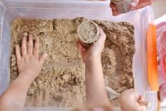 This moldable play sand recipe has just three ingredients! It has a great texture and it doesn& stick to your hands, so it& really easy to clean up! Homemade Kinetic Sand, Make Kinetic Sand, Toddler Arts And Crafts, Crafts For Kids, Toddler Activities, Activities For Kids, Edible Sand, Sands Recipe, Sand Crafts