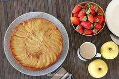 Upside-Down Apple and Honey Cake - This is one of the easiest cakes to make, This dairy-free cake always gets devoured on the first day, it's so good. Easy Cakes To Make, How To Make Cake, Moist Apple Cake, Apple Cake Recipes, Honey Cake, Caking It Up, Baking Tins, Take The Cake, Granny Smith