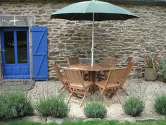 Pea-gravel patio... Cheapest way to build an outdoor living space