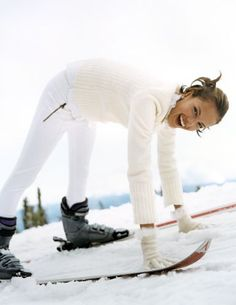 tommyhilfiger: Alessandra Ambrosio for Health and Beauty Ski Fashion, Sport Fashion, Winter Fashion, Ski Bunnies, Pantalon Ski, Ski Socks, Ski Wear, Cooler Look, Snow Skiing