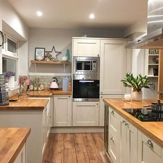 Our small kitchen concepts are excellent for these not blessed with a big and sociable kitchen-diner. Positive, you won't have house for a kitchen island, vary cooker, and eating desk to cram [. Home Decor Kitchen, Diy Kitchen, Kitchen Interior, Kitchen Dining, Kitchen Cabinets, Kitchen Ideas, Awesome Kitchen, Kitchen Small, Kitchen Wood