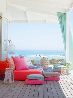 Spaces to welcome summer beach house decor, chic beach house, home Chic Beach House, Beach Cottage Style, Beach House Decor, Home Decor, Beach Houses, Beach Decor Bathroom, Beach Apartment Decor, Bathroom Mirrors, Apartment Design