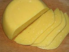 Homemade cheese Prepare homemade cheese is not too difficult. This cheese can safely give your child, because there will not be any aromatic additives World Recipes, My Recipes, Favorite Recipes, Yummy Snacks, Yummy Food, Delicious Recipes, Cooking Cheese, Homemade Cheese, Sweet Pastries