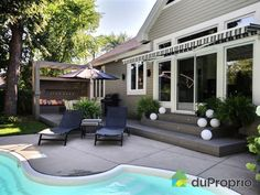 Magnifique bungalow clé en main, entièrement rénové au goût du jour par une designer, situé...